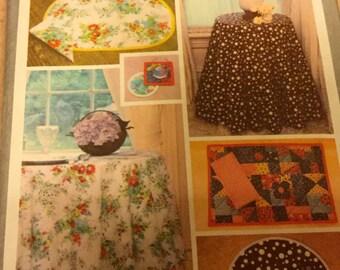 Vintage Simplicity 8364 Table Accessories, Table cloth, Placemats, Napkins, Uncut