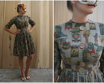Vintage 50's Novelty Print Day Dress with Giant Wooden Buttons and Ruffle Sleeves | Small