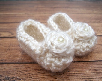 Crochet Baby Booties, Baby Christening Shoes, Baby Girl Booties, Newborn Booties, Booties for Baby Girl, Infant Girl Booties, Dressy, Ivory