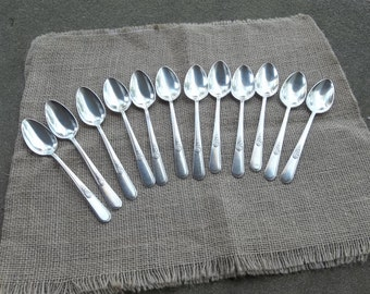 Vintage Flatware 12 Antique Silver Spoons YOUTH Silverplate Flatware Silver Plate Wedding Decorations Table Decor Prairie Dozen Spoons