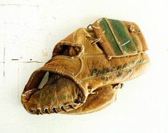 Vintage baseball glove - baseball mitt - leather - 4 finger - Wilson - A2950 - Bob Allison Fieldmaster - Lock tite web - grip tite pocket