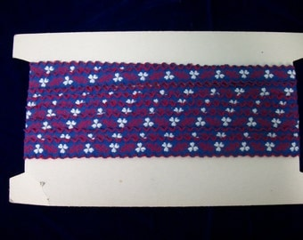 Vintage Embroidered Sewing Trim . Red Hearts White Clovers on Blue . 3 Yards