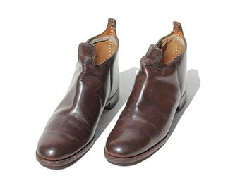 Men's 9.5 Brown Leather slip on Shoes