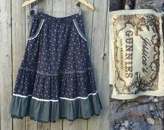 "Vintage GUNNE SAX Skirt  //  Vtg 70s Jessica's Gunnies Black Floral Calico Tiered Prairie Revival Skirt  //  25"" waist"