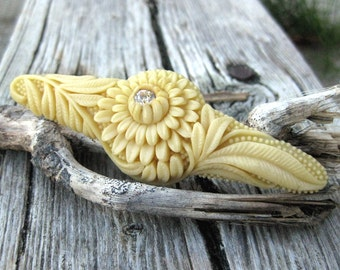 Vintage molded Celluloid flower brooch Cream Made in Japan