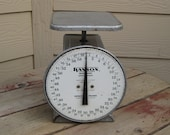 Vintage Hanson Utility Scale Kitchen Scale Model 2060