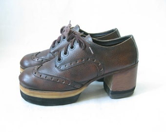 Vintage 70's Platform Wooden Stacked Chunky High Heel Platforms. Size 7