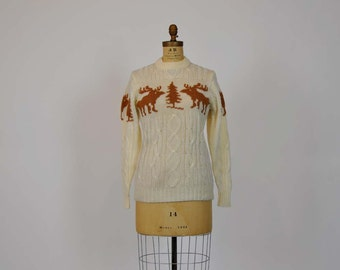 reindeer sweater / Vintage 1980's Reindeer Cable Knit Sweater