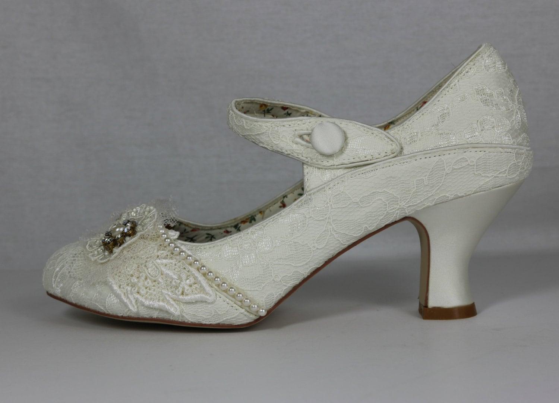 Ivory Lace Vintage Shoes