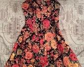 Let's Reminisce ... Sweetheart neckline rose floral dress