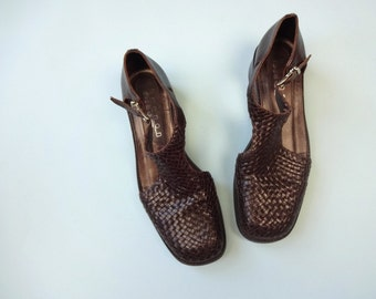 Vintage CAGE Shoes • 1990s Footwear • Women Size 6.5 7 Brown Woven 90s Leather Oxfords •Low Chunky Block Heel Ankle Buckle Strap Cut Out