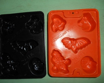 Vintage Jell-O Happy Halloween 2 Molds Arched back black cat ghost pumpkin bat witch