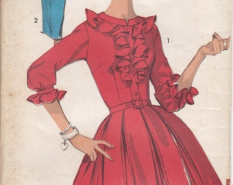 Vintage Pattern Advance 2979 Dress with ruffle and Slim or Box Pleats 60s Size 12 B32