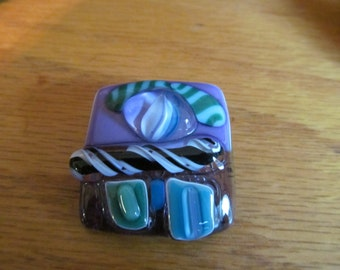 GLASS ABSTRACT BROOCH