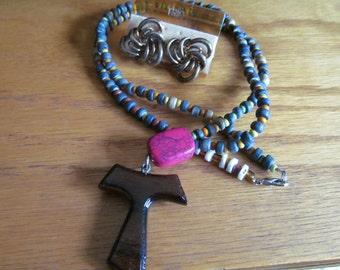 wooden t necklace w. earrings