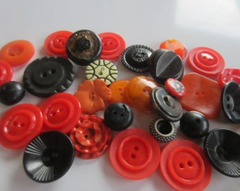Vintage Buttons - Cottage chic Halloween mix of black and orange lot of 32, old and sweet( sept 239)