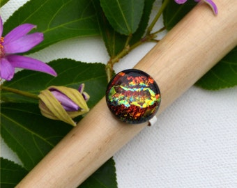 036 Fused dichroic glass ring, adjustable, silver plated, round, red, orange, yellow, gold, stripes