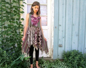 M-L Reconstructed Floral Olive Green Purple Tunic Top// Upcycled// emmevielle
