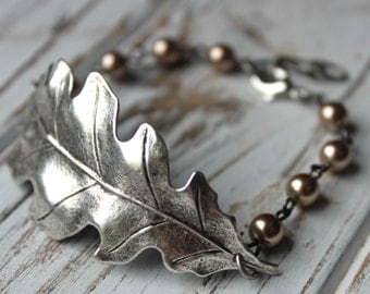 Free shipping. Limited Pieces. Brass Fall Oak Leaf Bracelet- Customize with your choice of Swarovski Pearls. Autumn. Thanksgiving.