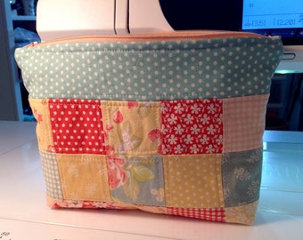 Quilted, Zippered Stand Up Pouch - Fig Tree Fabrics