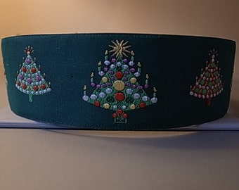 Green Christmas Tree House/Martingale Collar