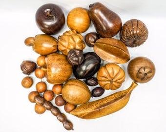 Fabulous 1960s wooden fruit set - 27 pieces