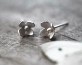 Flower Stud Earrings, Wedding, Bridal Jewelry, Flowers, Woodland, Nature Jewelry, Christmas Gift