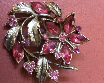 Vintage pink rhinestone brooch goldtone leaves