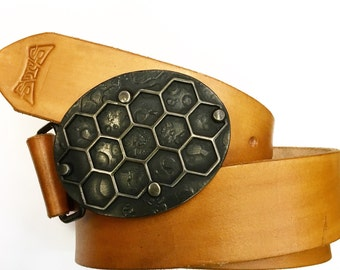 Honeycomb belt buckle - belt buckle for belt - 11th anniversary - beekeeping - hive - hand forged buckle -