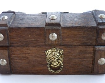 Vintage Wooden Trunk with Crest - Jewellery Box / Jewelry Box - Pirate Treasure Chest