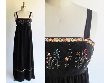 SALE..LANZ Velvety Maxi Dress / Vintage 1970s Dress / Velour Black Boho Lanz Dress with Embroidery Vintage 70s Retro Style / Small Petite