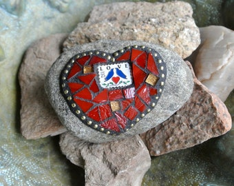 Valentine Mosaic Red Love Heart Rock Paperweight Garden Stone