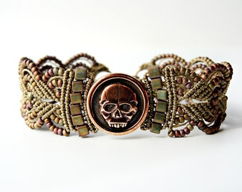 Scary Skull Micro Macrame Bracelet - Beaded Macrame - Day of the Dead Jewelry - Día de Muertos Jewelry