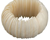 Natural shell bracelet, Seashell bracelet, Sea shell bracelet, Mother of Pearl bracelet, Shell jewelry, Sea shell jewelry, Seashell jewelry