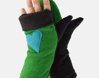 Convertible Mittens in Bright Kelly Green and Black - Flip Top - Turquoise Heart - Recycled Wool - Fleece Lined