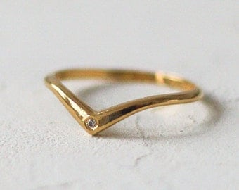 14k Gold Diamond Chevron Ring, V Diamond Ring, Diamond V Ring, Diamond Wedding Band, Chevron Engagement Ring, Simple Engagement Ring