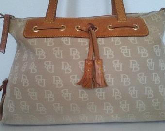SUPER SALE Vintage Dooney Bourke Bag//DB handbag//Leather//Shoulder Bag