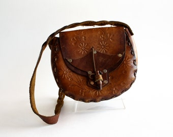 Vintage Hand Tooled Leather 1970's Handbag with Floral Accents and Wooden Closure