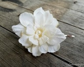 Small Bridal Ivory Flower Hair Clip Wedding Floral Fascinator Pearl Brooch Pin, Ivory Head Piece, Small Fascinator, Floral Silk Flower