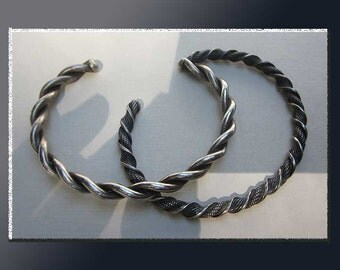 TWISTED Sisters,Two Silver Twist Slim Cuff Bracelets,Southwest Style Mexico/Native American,Vintage Jewelry,Women