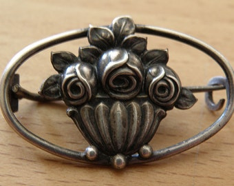 tiny pin roses in a basket 800 silver