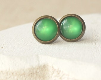 Tiny Emerald Green Stud earrings 8mm Small Green Earrings green Earrings Simple green Earrings little green earrings tiny green posts E24