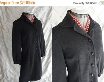 ON SALE 60s Dress // Vintage 1960s Black Mod Circle Textured Poly Mini Dress with Cute Buttons Size M L