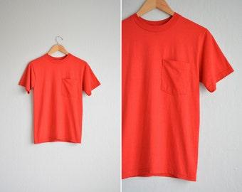 vintage men's '90s BASIC red POCKET TEE. size xs.
