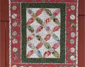 Yo-Yo, Hugs-n-Kisses Mini-Quilt Wall Hanging/Table Topper Hand Quilted