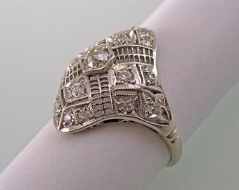 An Art Deco Ring, Platinum with Diamonds, Filigree Design, circa 1920's (A1684)