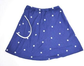 1960s skort vintage 60s navy blue embroidered daisy mini skirt S