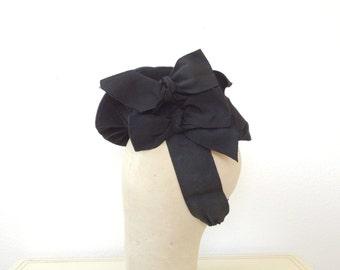 1940s hat / vintage tilt hat / Double Bow hat
