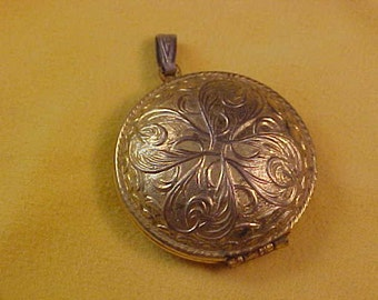 REDUCED~Embossed Engraved Gold Plate LOCKET~Opens top to bottom