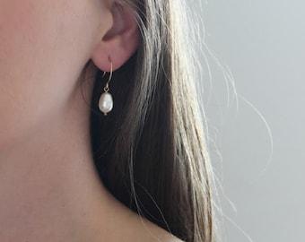 Pearl Earrings | Bridesmaids Earrings | Bridesmaids Gift | Bridal Earrings [Moondrop Earrings]